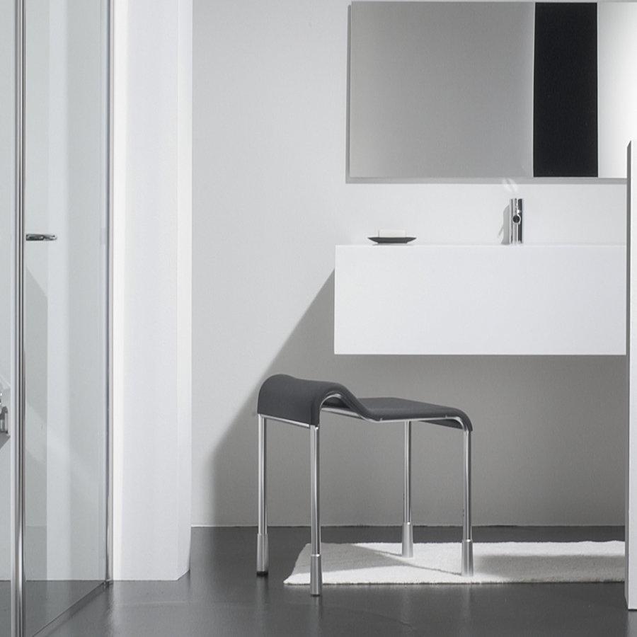 wellness produkt duschsitze badhocker coram promed coram promed serie 400. Black Bedroom Furniture Sets. Home Design Ideas